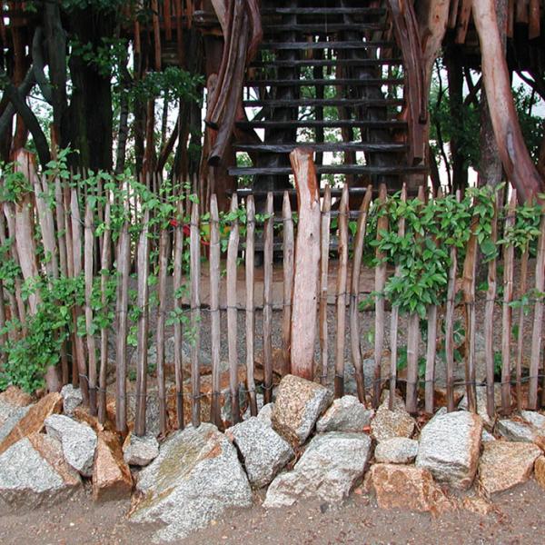 Einzelne Staketen aus Kastanienholz